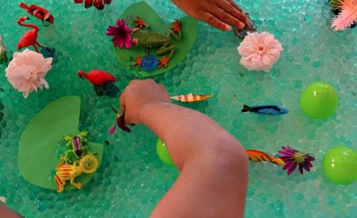 Enlace a caja sensorial sobre el océano del blog Kids Play Box