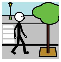 Cruzando y paseando por la calle.