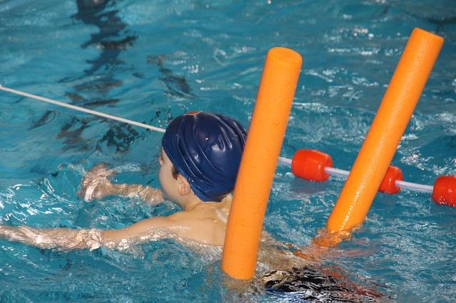 swim-619074_640